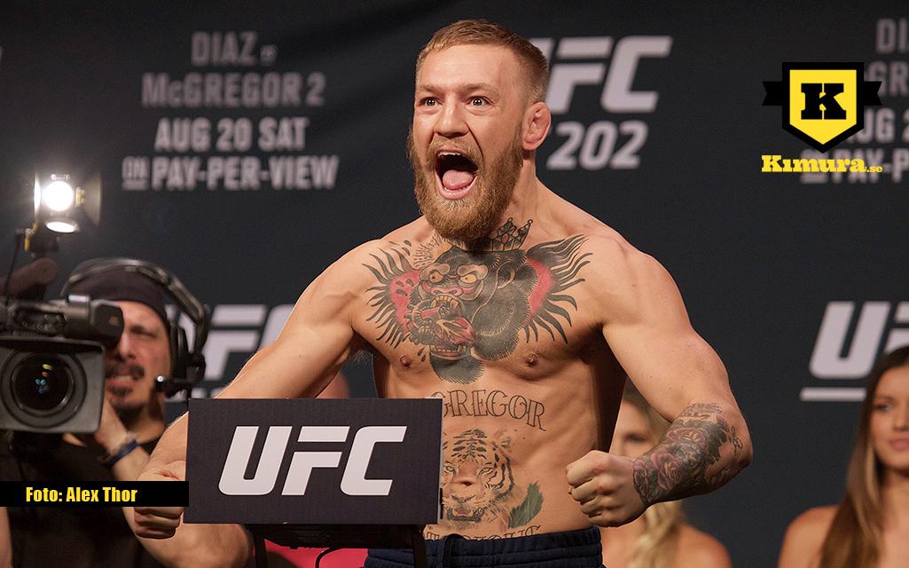 Conor McGregor vill njuta av ett mästarbälte på varje axel innan han återlämnar ett